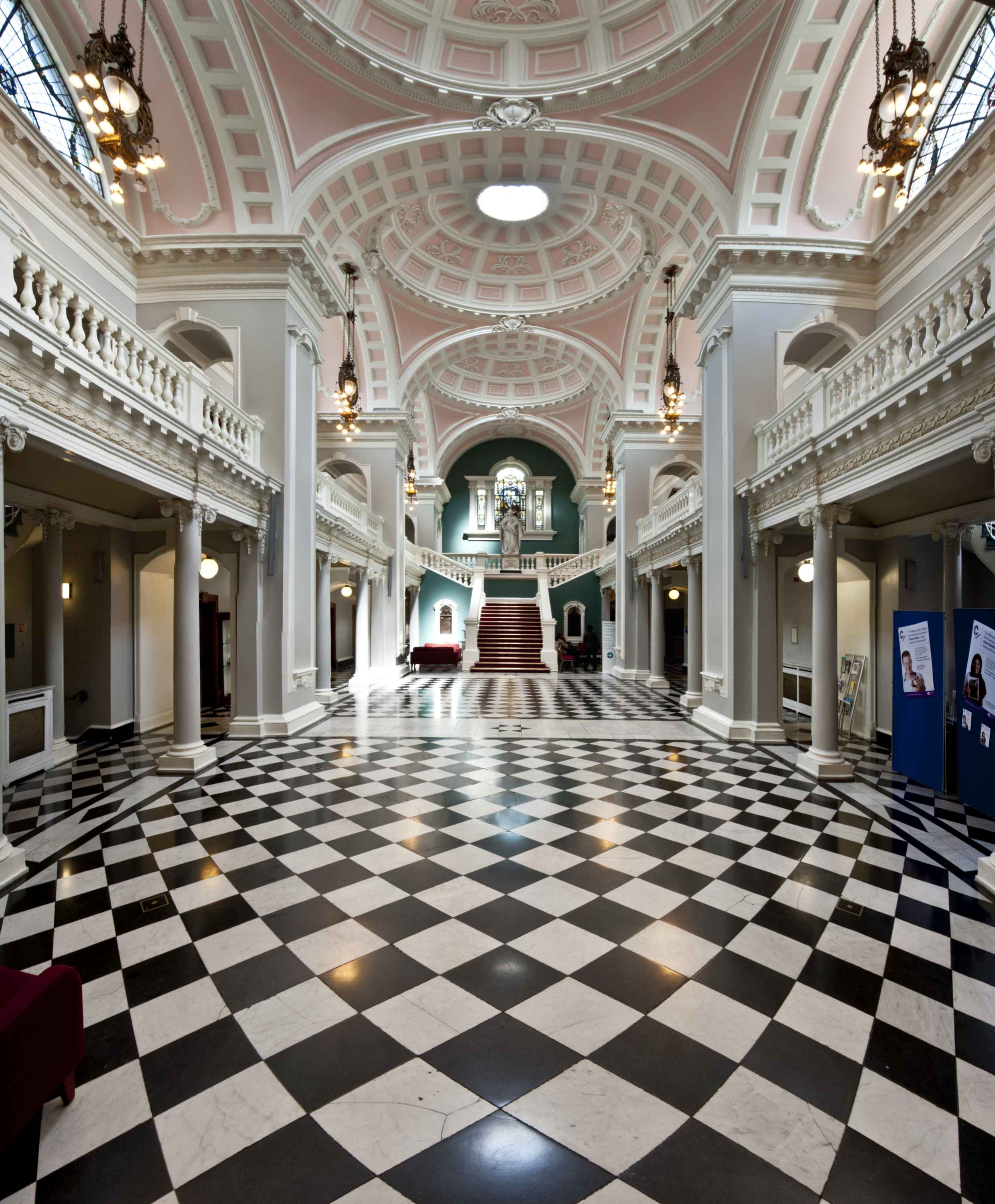 woolwich-town-hall-1903-5-remodelled-2011